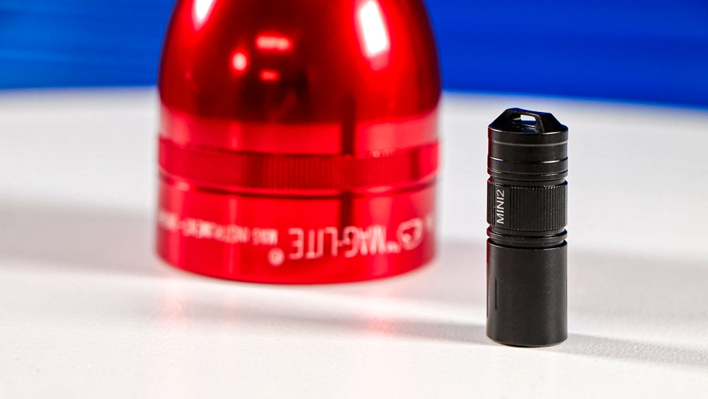 TrustFire MINI2 LED Taschenlampe - TrustFire MINI2 vs. MAGLite