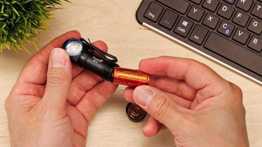 TrustFire MC12 Taschenlampe - Verpolungsschutz
