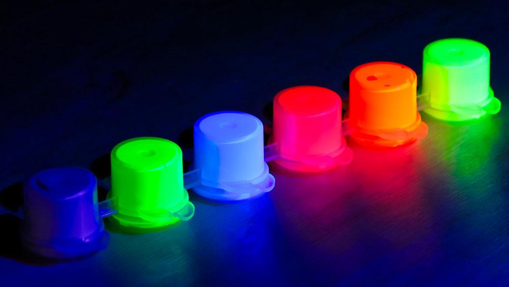 TrustFire DF50 - Fluoreszierende Materialien unter UV-Licht