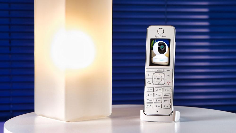 FRITZ!Fon C6 mit Livebild der Reolink E1 Zoom IP Kamera